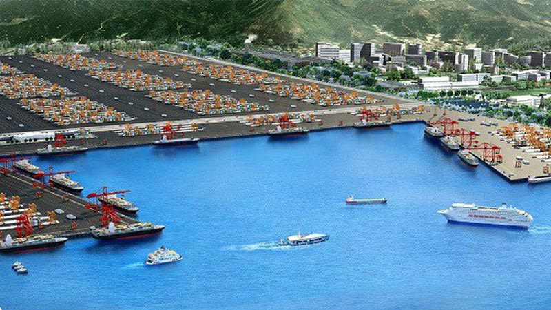 cang-bien-ae-resort-cua-viet